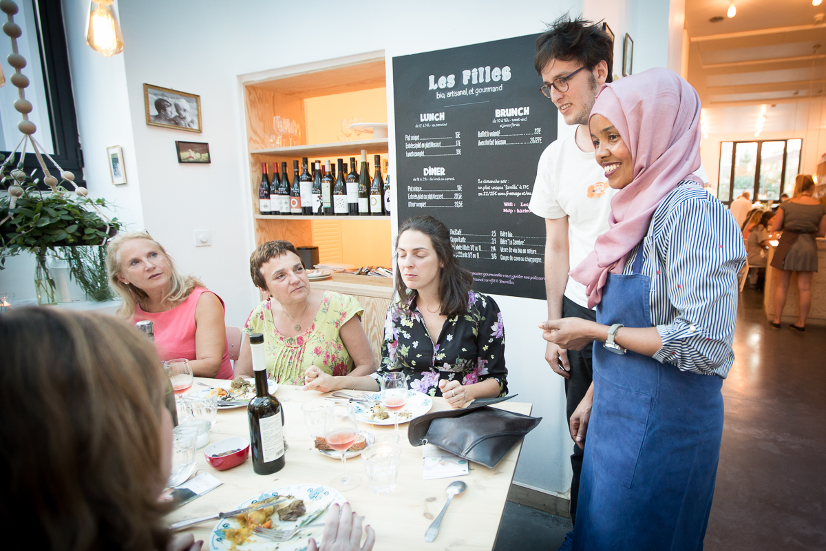 Les Filles - Chef Ifrah talks with customers at Resto Les Filles - Bea Uhart