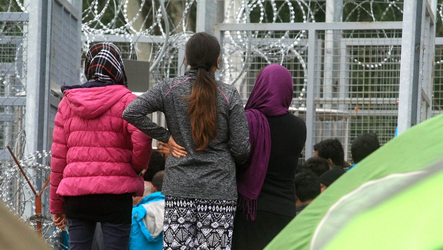 Hungary: UNHCR dismayed over further border restrictions and draft law targeting NGOs working with asylum-seekers and refugees