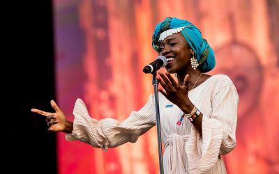 Slam poet speaks for refugees at music festival in Hungary