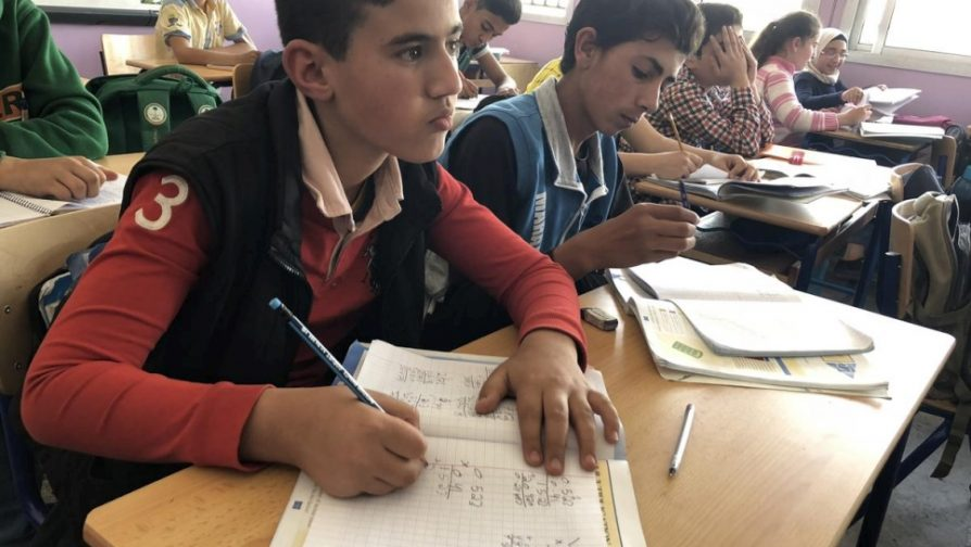 UNHCR welcomes UNESCO report on refugee education, says more investment needed