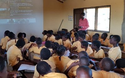 Innovation and creativity in education for refugees: UNHCR Ghana wins Team award for achievements in innovation