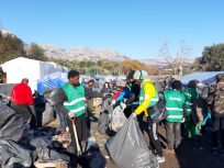 Volunteer refugees on Chios island make a difference for their communities