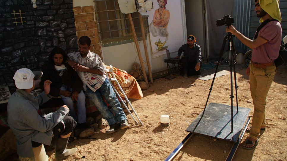 Filming the episodes in the backyard of a refugee shelter has its challenges. © UNHCR/Houssam Hariri.