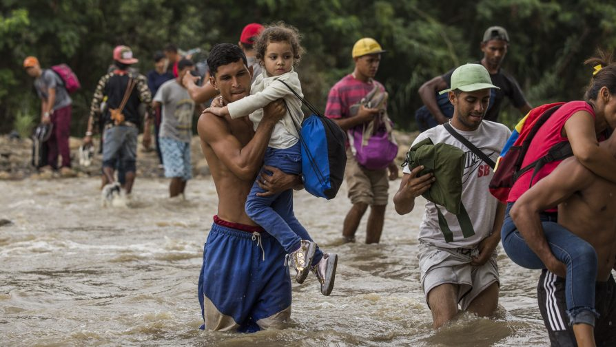 Venezuelans risk life and limb to seek help in Colombia