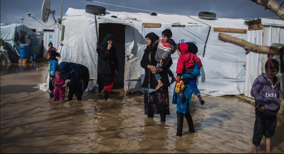"""As winter approaches, UNHCR launches """"Warm Their Hearts"""", a public mobilization campaign to support refugees"""