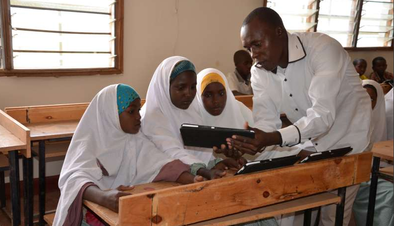 Could tablet-based education help ensure a high quality education for some 18,000 young refugees at Dadaab?