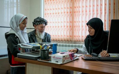 Afghan doctor helps refugees fight COVID-19, one phone call at a time