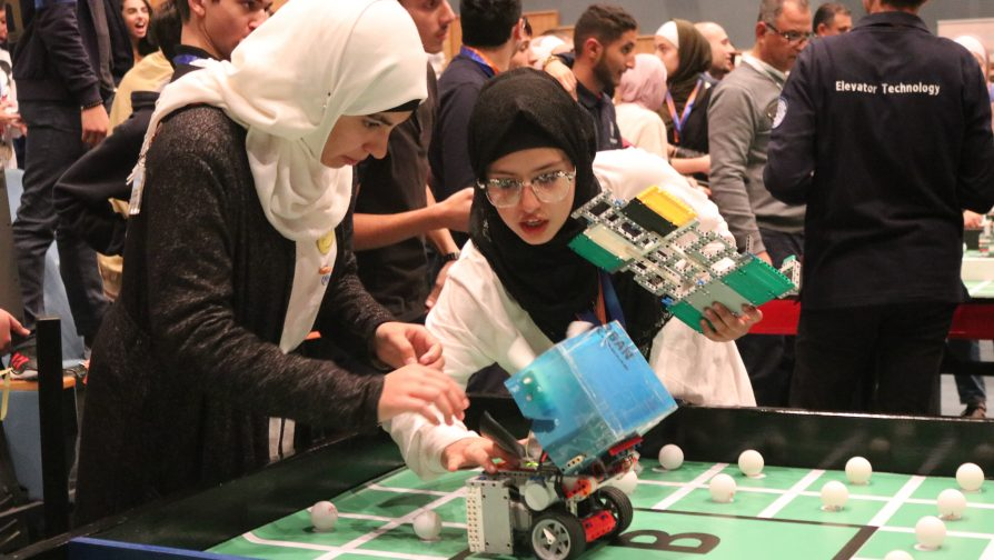 Zaatari Youth Progress to Arab Robotic Championship
