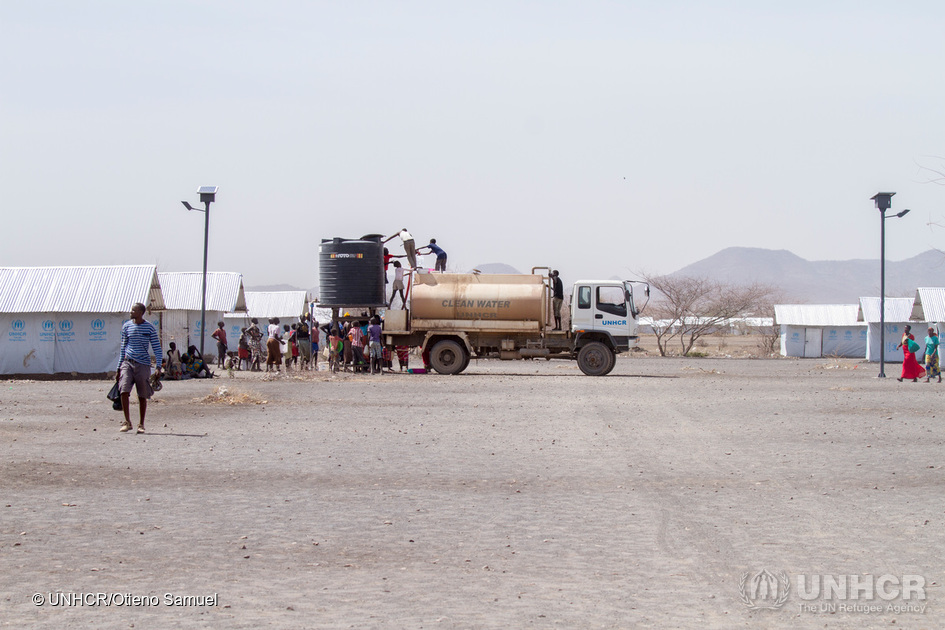 Kenya. Delivering water to refugees