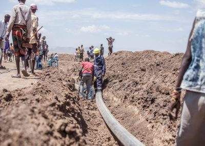 Kenya. Water pipeline supplies new refugee camp