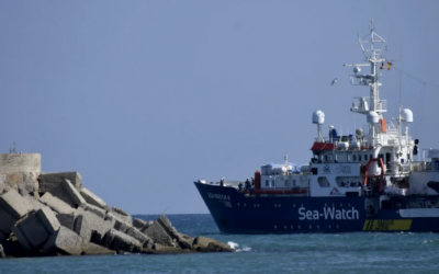 UNHCR and IOM call for urgent disembarkation of rescued migrants and refugees in Central Mediterranean Sea