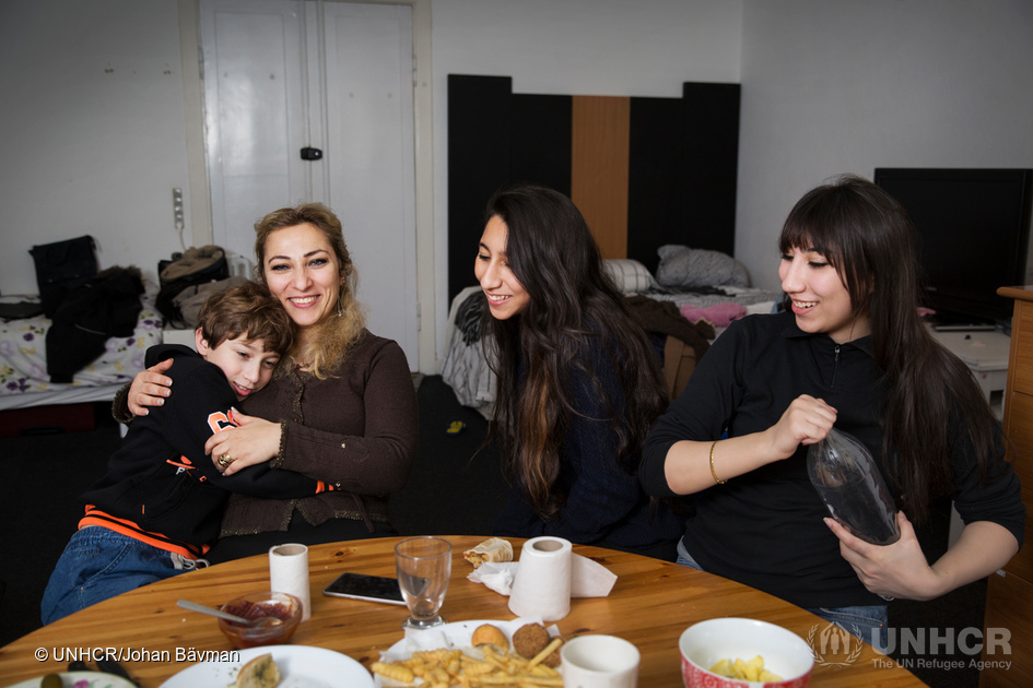 Syrian mother reunites with children she feared had drowned