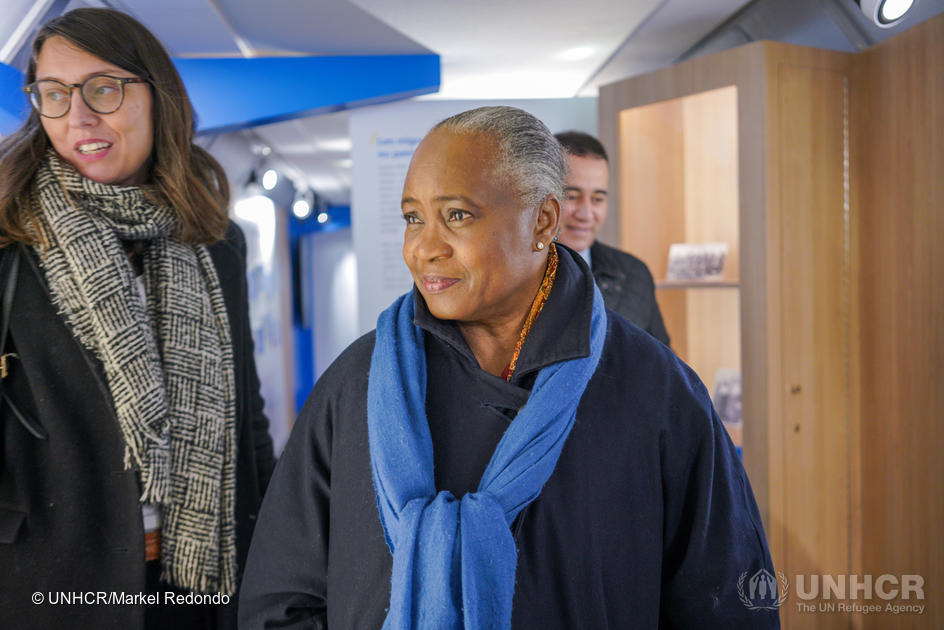 Switzerland. Singer Barbara Hendricks visits UNHCR Solidarity Train in Geneva