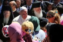 UNHCR chief lauds Pope's solidarity with refugees