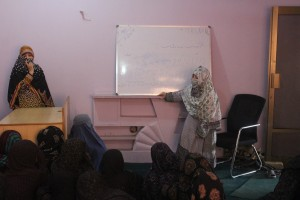 Miraj is teaching in her class at Safe from the Start centre in Quetta. © UNHCR/Humera Karim