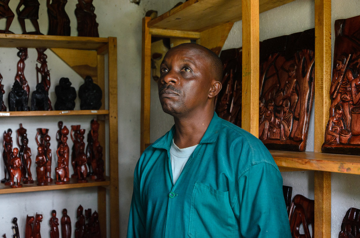 In 2003, Macumu Maurice, 48 years old sculptor, fled Eastern Democratic Republic of Congo and sought refuge in Rwanda. | Photo: Shaban Masengesho/UNHCR