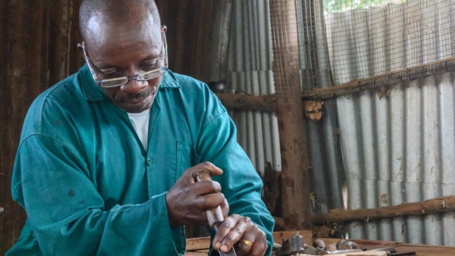Sculpting to Express Empathy in Kiziba refugee camp