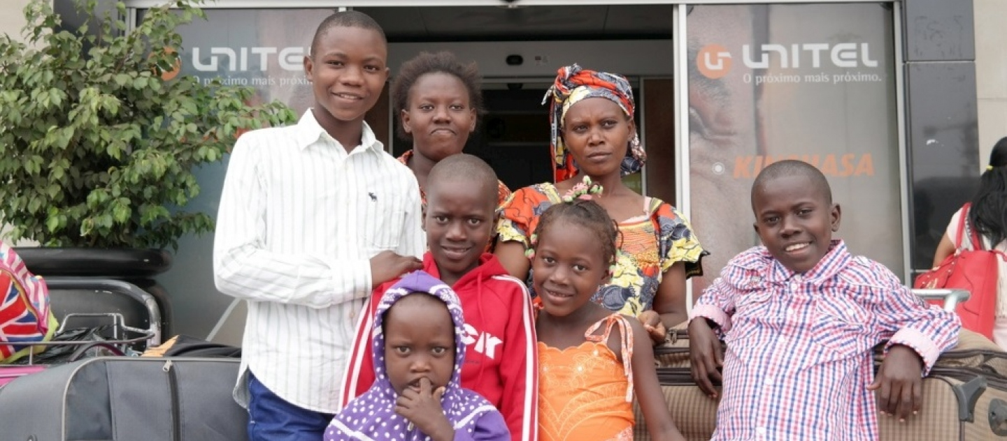 Rwandan refugees head home after a generation in Angola