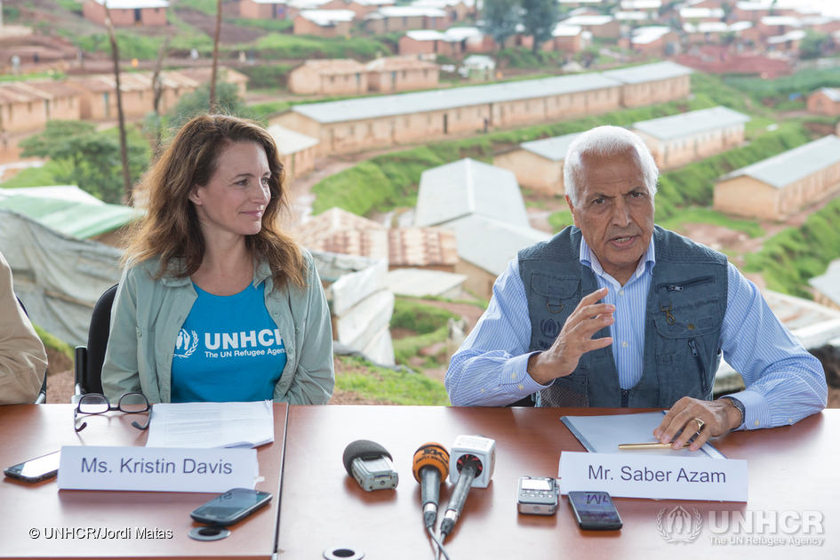 UNHCR Goodwill Ambassador Kristin Davis, UNHCR Representative in Rwanda Saber Azam and Director of Refugee Affairs in the Ministry of Disaster Management and Refugee Affairs Jean-Claude Rwahama at a press conference in Gihembe refugee camp. There are over 12,995 refugees in Gihembe camp of whom 97% are Congolese. Most of the people here have been refugees for 20 years and are survivors of the Mudende camp massacre. ; UNHCR High Profile Supporter Kristin Davis meets refugees in Rwanda