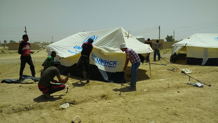Syria heatwave makes life for Iraqi refugees even tougher
