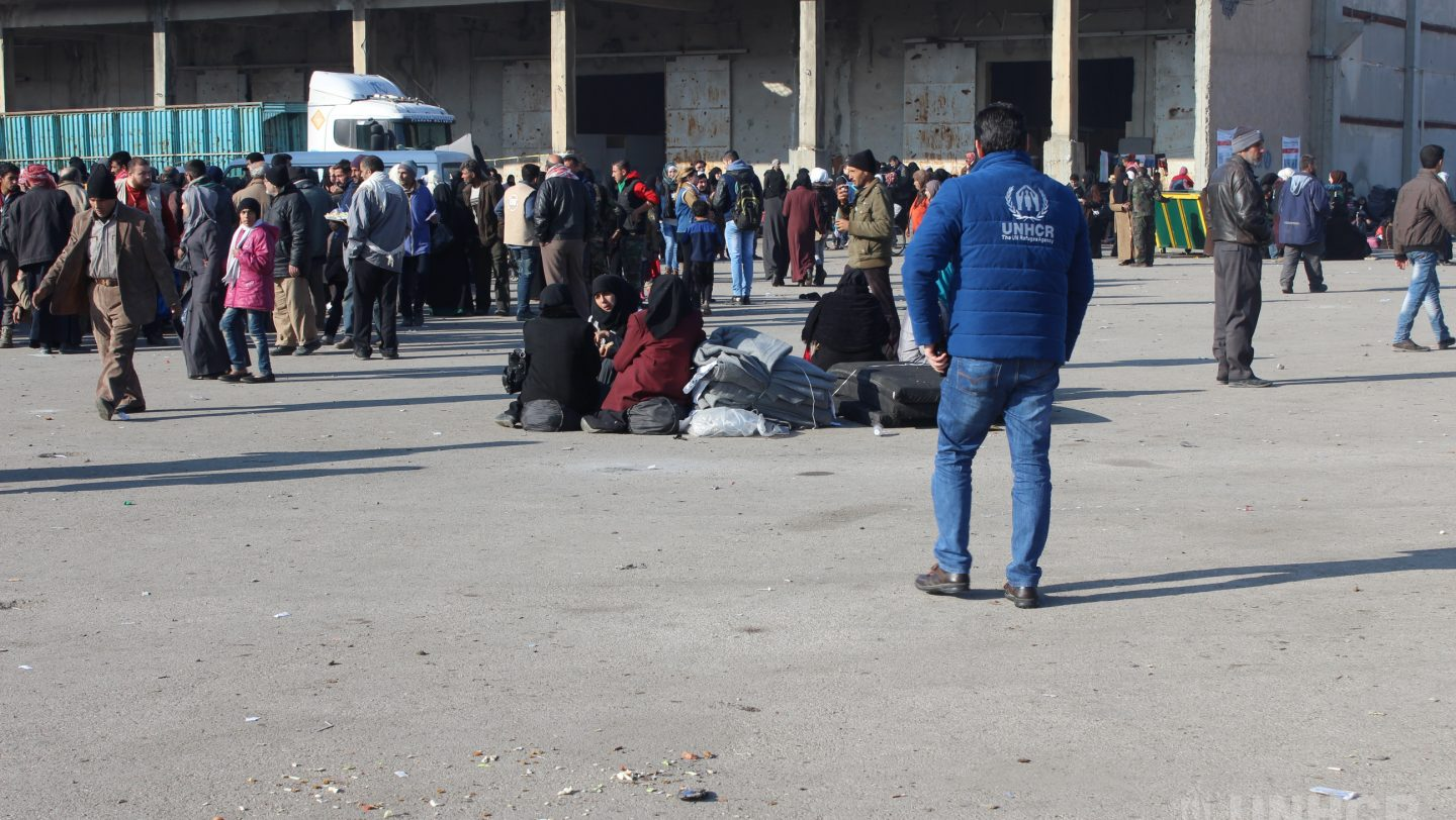 Families arriving from East Aleppo to Mahalej shelter