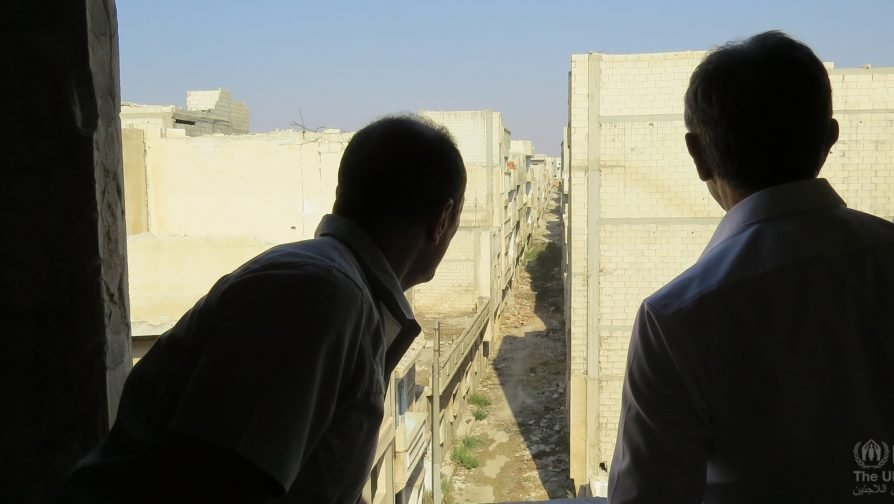 In Syria's Homs, UNHCR Syria Representative meets with returnees