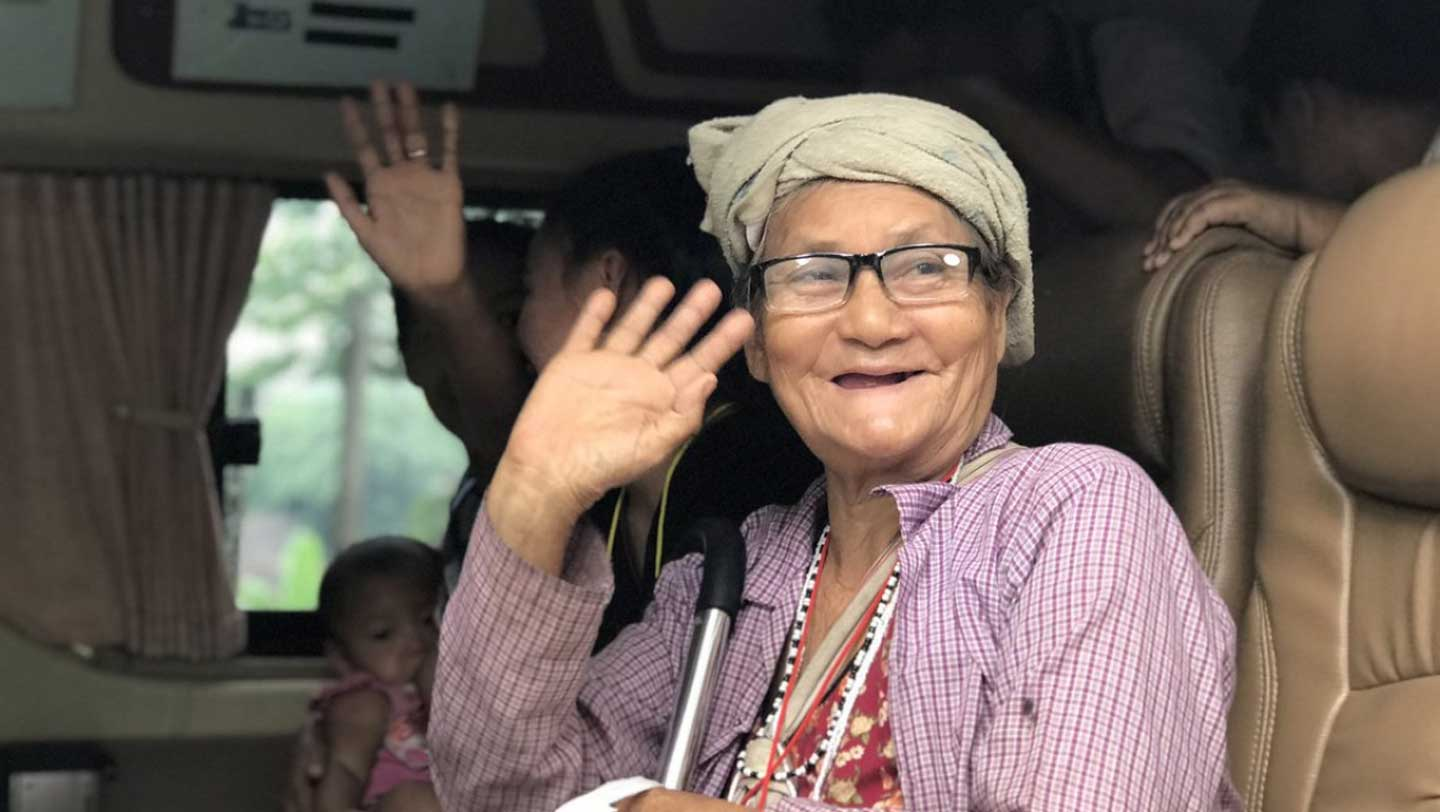 82 years old refugee, great grandmother Pree and 10 family members set off for new life back in Myanmar in voluntary return process. ©UNHCR/Caroline Gluck