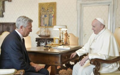 UNHCR's Grandi and Pope Francis share a vision of global response to displacement based on solidarity and care