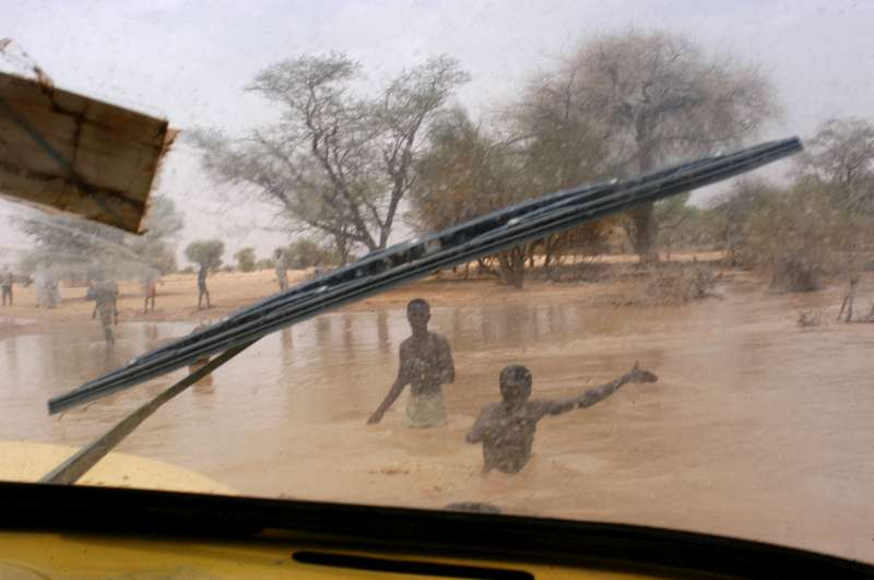 Heavy seasonal rains have started falling in eastern Chad, flooding normally parched riverbeds and cutting off roads, further complicating relief efforts. Flooding has added hours and even days to journeys by road between the refugee camps, the border, and UNHCR's office and warehouses in the region. (July 18, 2004)