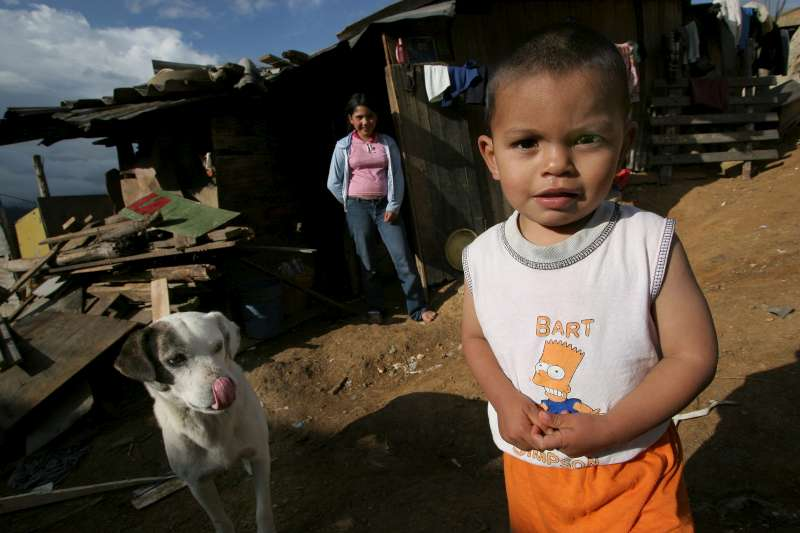 An internally displaced family living in Los Altos de la Florida, outside of Bogota.