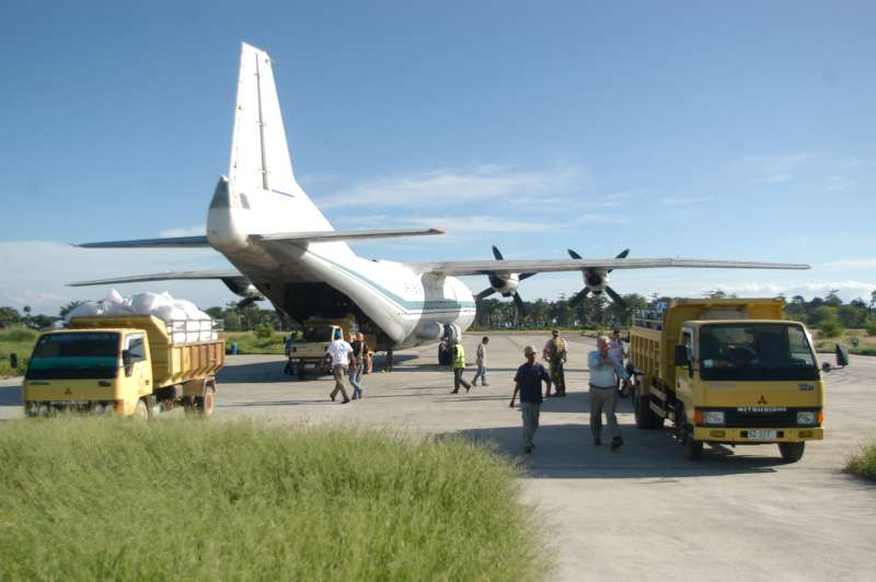 The first flight of UNHCR's humanitarian airlift landed in Dili […]