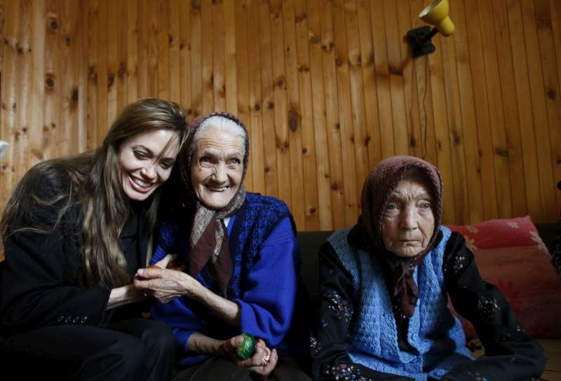 UNHCR - Jolie highlights the continuing suffering of the ...