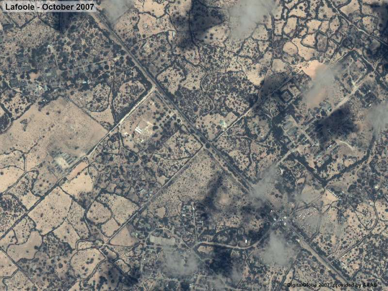 Before: Afgooye corridor - satellite images of the Lafoole area in October 2007.
