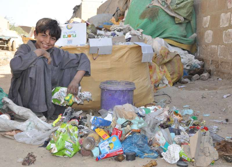 UNHCR - UNHCR looks at the economic contribution of Afghan refugees in Pakistan