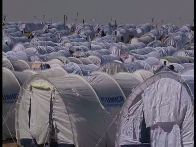 Tunisia: Tents for Thousands at the Border