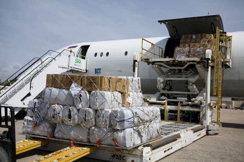 A shipment of UNHCR shelter and other humanitarian aid is unloaded […]