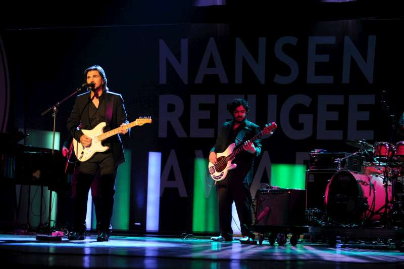 Colombian humanitarian and musician Juanes also took part in the tribute, performing two of the songs that have propelled him to stardom in South America.