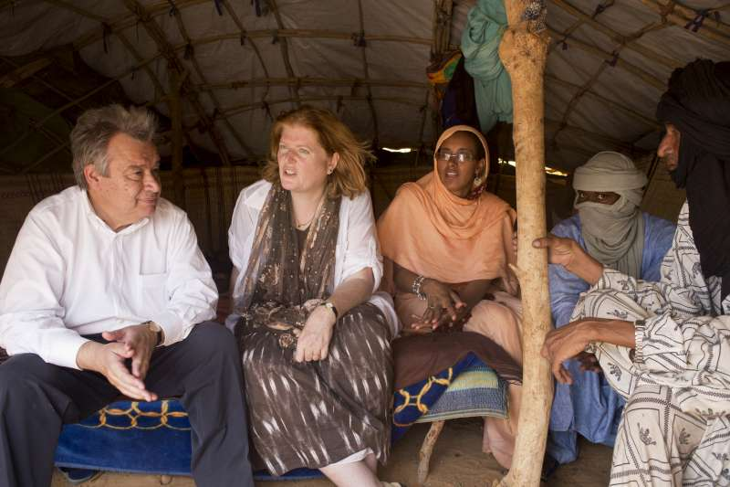 UN High Commissioner for Refugees António Guterres visits Malian […]