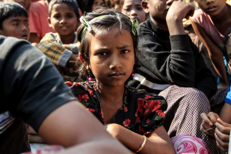 A young girl in Myanmar's Rakhine State. UNHCR has appealed for measures to prevent more violence following the latest clashes with IDPs.