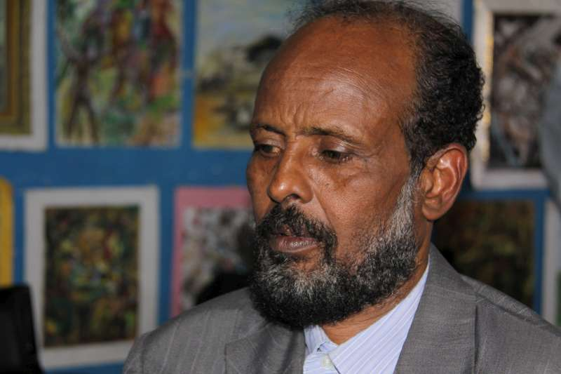Somali refugee Mohammed Ousman, a 57-year-old painter and art […]