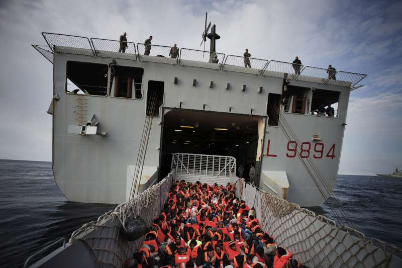 During one rescue operation, 186 people – from Nigeria, Pakistan, Nepal, Ethiopia, Sudan, Malaysia and Syria – are transferred from the Grecale to the San Giusto.