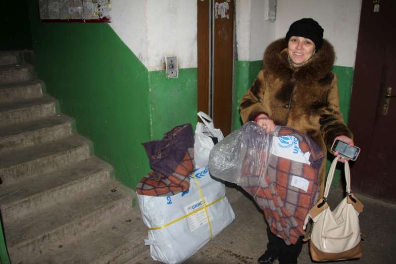 UNHCR assists victims of shelling in southern Ukrainian town of Mariupol