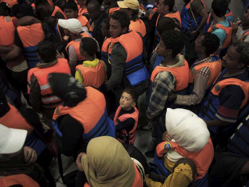 UNHCR urges beefed up search and rescue capacity as at least 29 die off Italy