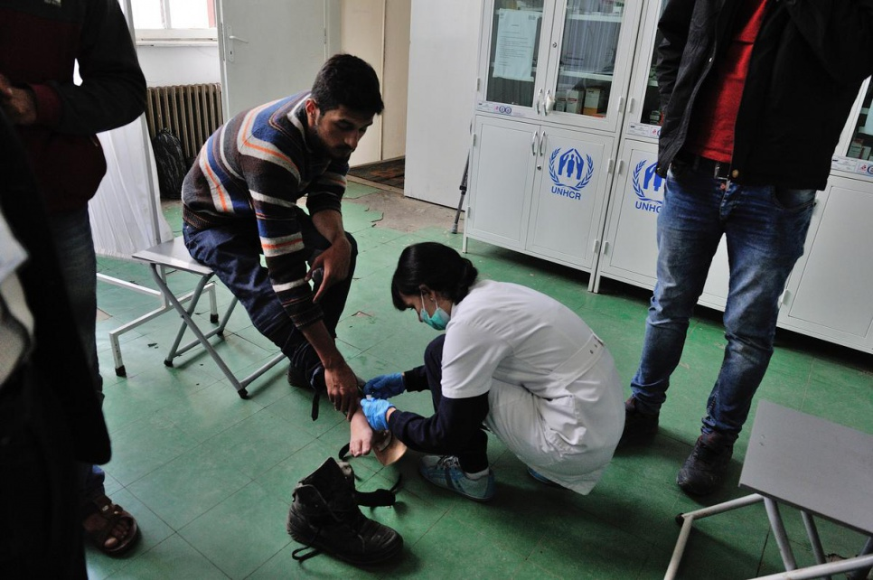 Gabriel* receives assistance at the medical unit at Presevo reception centre in Serbia. Refugees and migrants must pass through Presevo to register. They also receive clothing, food and medical treatment.<br><br><em>*not his real name</em>