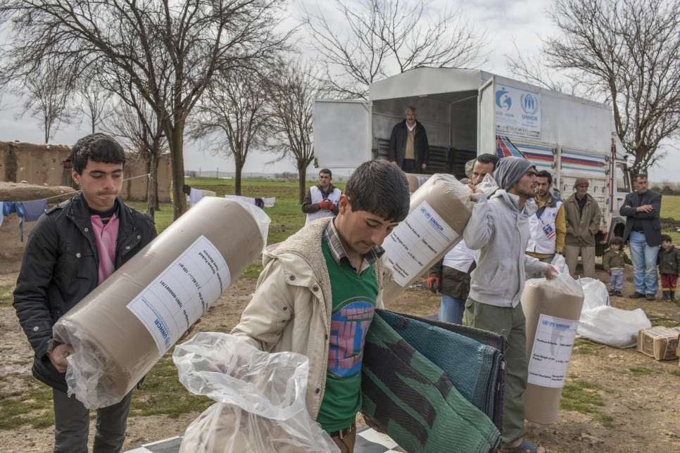 Turkey / UNHCR together with its implementing partner ASAM deliver NFI's (non food items) to Syrian refugees in the Turkish village of Saygin. / UNHCR / I. Prickett / February 2015