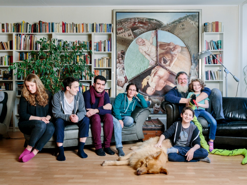 unhcr jewish family open their berlin home to muslim refugee. Black Bedroom Furniture Sets. Home Design Ideas