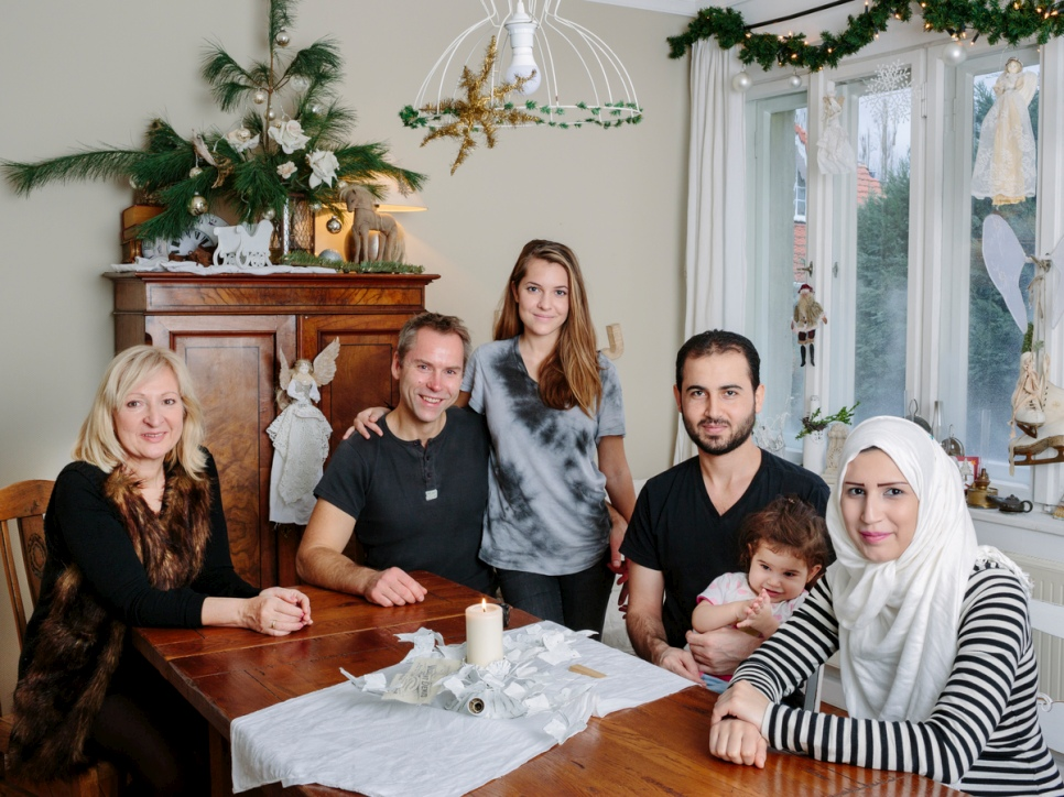 Manuela and Jörg share their home in Berlin with Syrian refugee Nourhan.