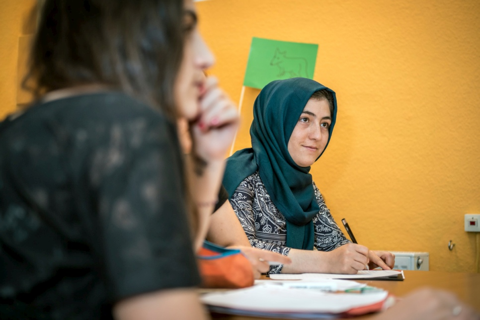 Young asylum seekers study through summer break to learn German