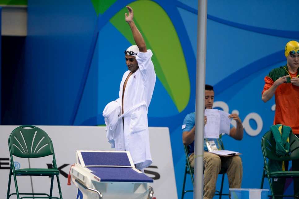 Displaced Syrian swimmer makes a splash at 2016 Paralympic Games