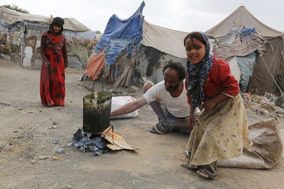 Yemen. Yemeni internally displaced people need aids